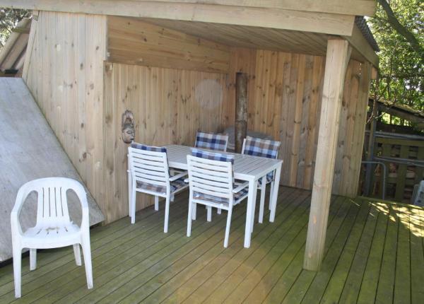 Angler-Ferienhaus-am-Lolland-Falser-Fjord-Park-Terrassen