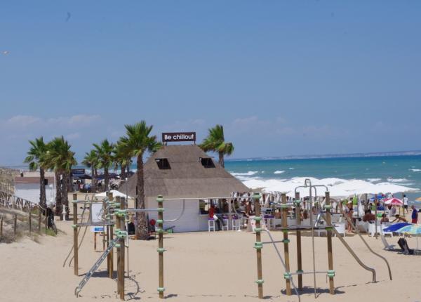 Mittelmeer-Strand-Sonne-Salzsee