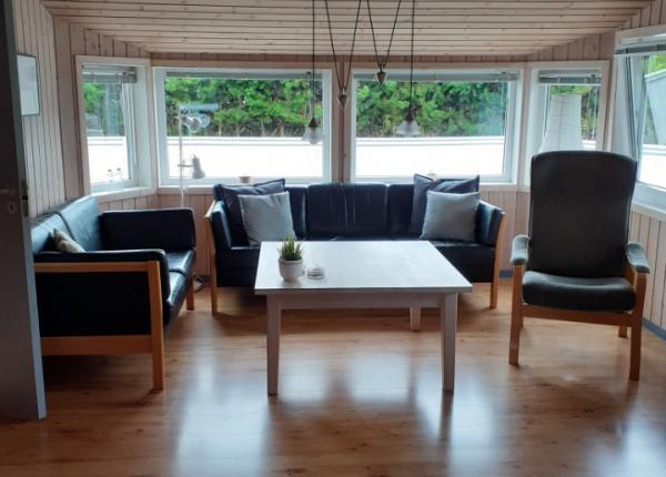 spitze-schwarz-weise-sauna-ferienhaus